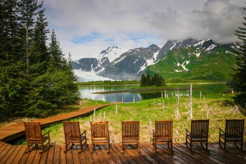Located in the heart of Kenai Fjords National Park, the main lodge and cabins have full views of nearby Pederson Glacier