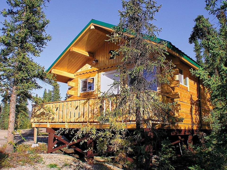 Cabins offer charm and privacy for your Denali stay, choose from the more rustic dry cabins with shared bath, to premier cabins with full bath and kitchens.