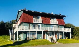 Adrienne Sweeney Woodside 1 Exterior 4 alaska homer driftwood inn