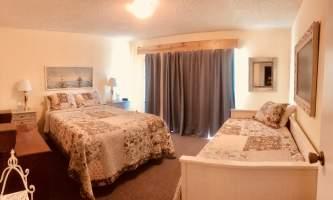 Adrienne Sweeney Woodside 1 Bedroom 2 alaska homer driftwood inn