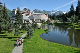 Hotel exterior summer Hage Photo alaska hotel alyeska girdwood