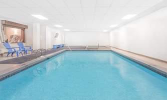 Travelodge juneau 04 Pool