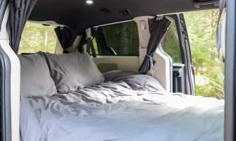2021 Get Lost Vans Interior Bed2