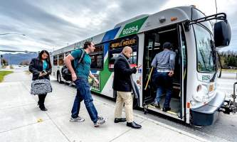 People moverbus with riders